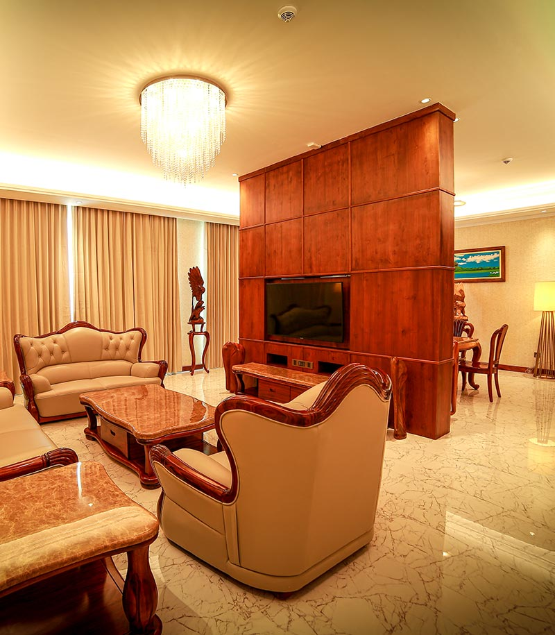 Spacious and well furnished Royal Suite living area