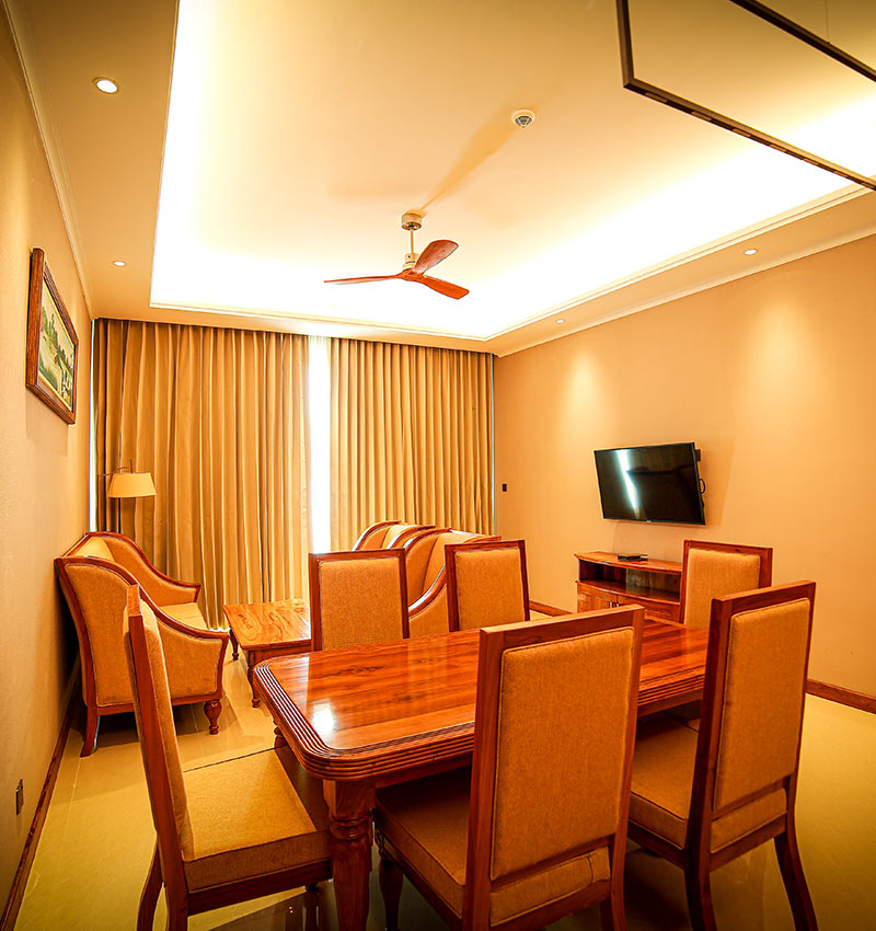 Spacious & well equipped living area of studio room