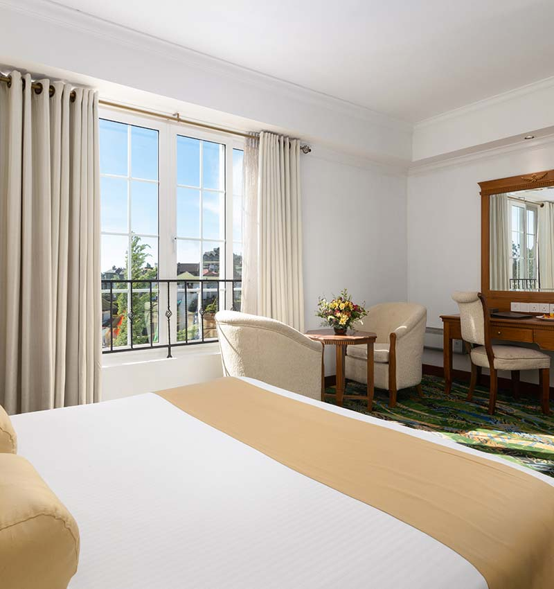 Super Deluxe Rooms with Natural Lighting