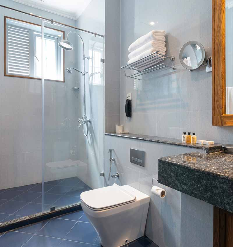 Well equipped bathroom of Deluxe Room at Araliya Red