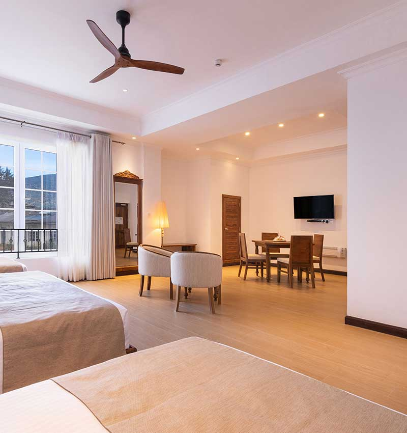 Contemporary Deluxe family room at Araliya Red