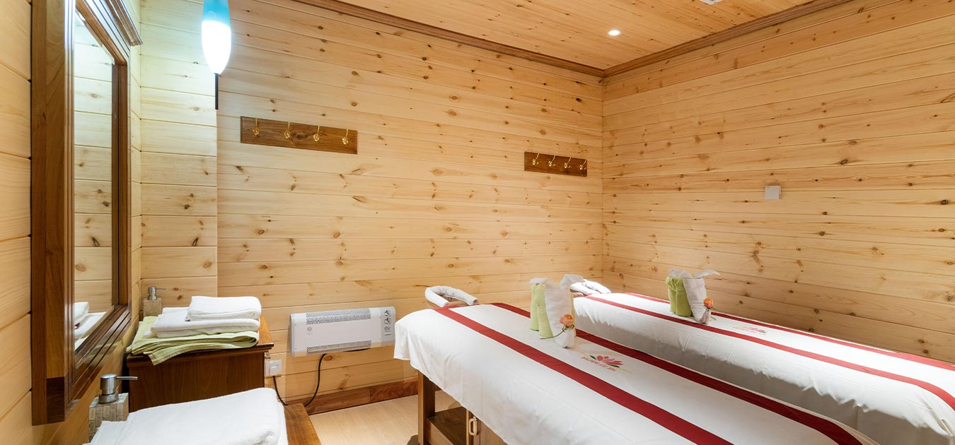 Massage tables spa of Araliya Red